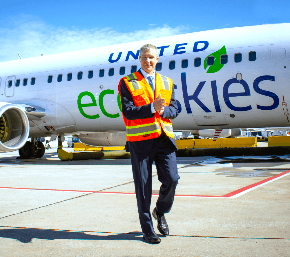 United Airlines targets to reduce 100% of GHG by 2050