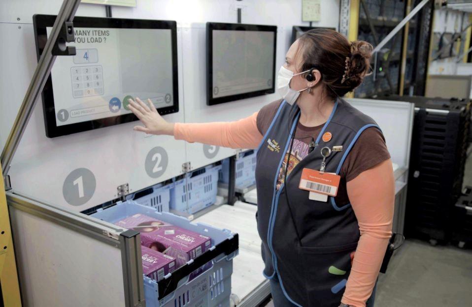 Wal-Mart automates its U.S. warehouse   Economy